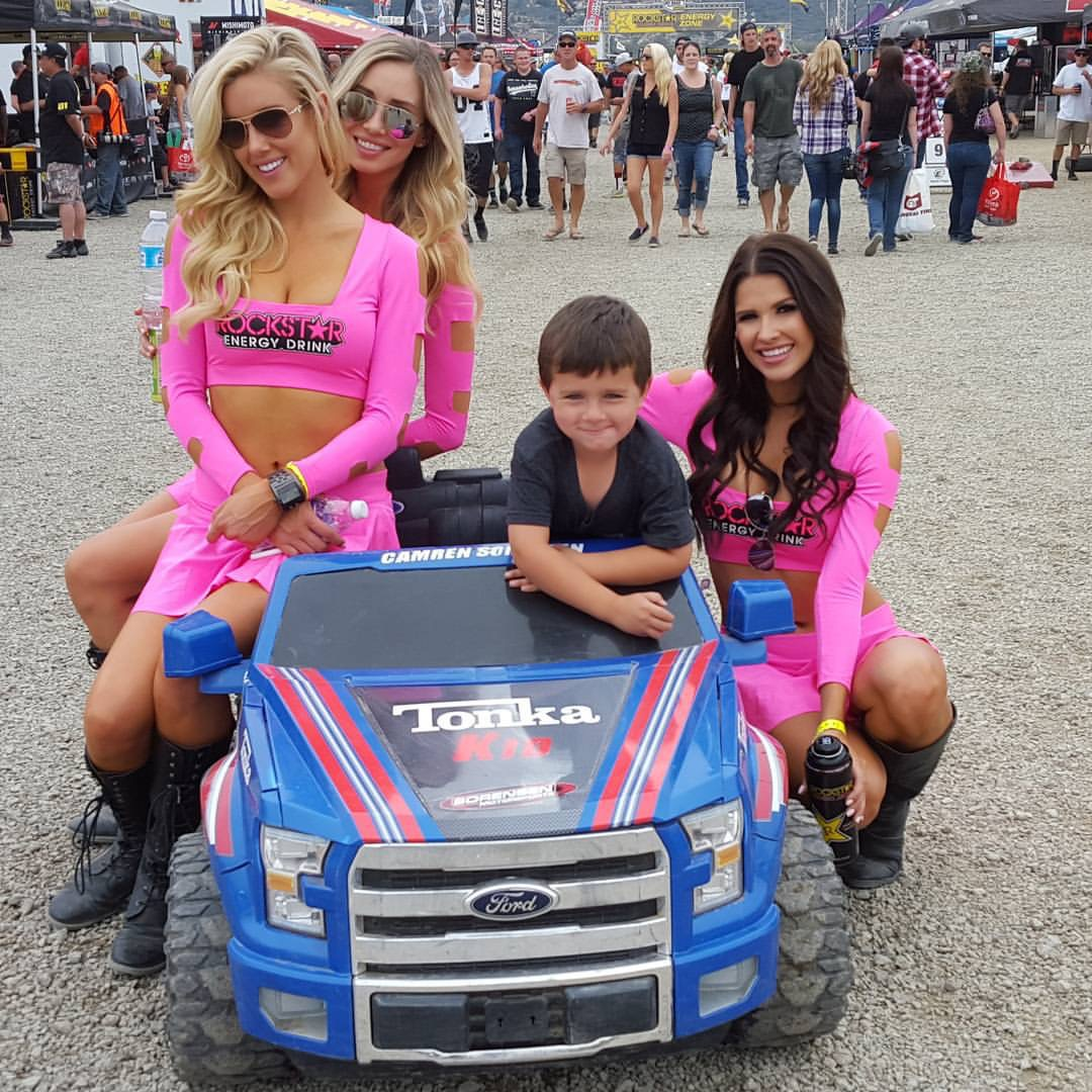rockstar girls hitting on camren sorensen lucas oil utv championship